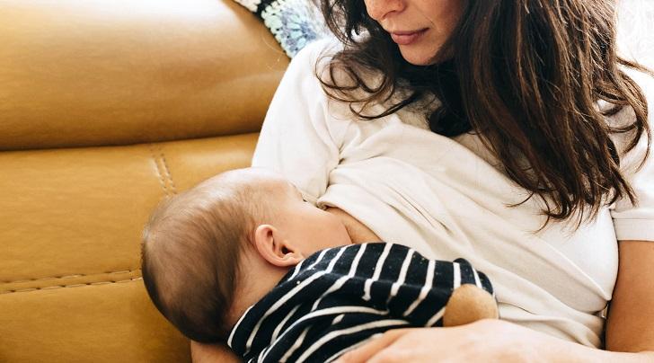 Bebek Hıçkırığı Nasıl Geçer (Emzirmek)